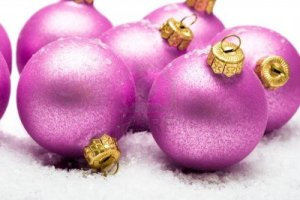 3383250-pink-christmas-balls-in-snow